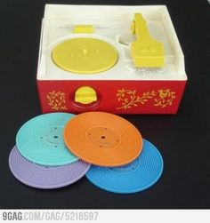 Fisher Price record player - I totally remember this! yay for Fisher Price! My Childhood Memories, Childhood Toys, Sweet Memories, School Memories, Early Childhood, 1 Gif, 80s Kids, 90s Kids Toys, Toddler Toys
