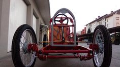 Type 35 Bugatti CycleKart under construction Tomos Moped, Go Kart Parts, Horse Carriage, Karting, Bugatti, Kids Cars, Construction, Victor Hugo, Type