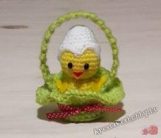 Horgolt (amigurumi) kiscsibe - Kreatív+Hobby Alkotóműhely Tweety, Free Pattern, Christmas Ornaments, Holiday Decor, Crochet, Home Decor, Album, Amigurumi, Crochet Doll Dress