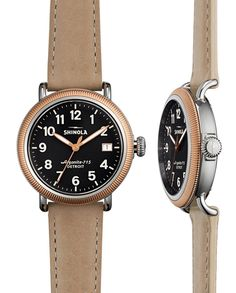 Shinola Runwell 38mm Coin Edge watch features:Dial Color: Charcoal, Case: Polished Stainless Steel, Top Ring: Polished PVD Rose Gold Crown: Polished Stainless Steel, Dial: Super-LumiNova hands and indices, Functions: Hours, minutes, seconds & date indicator, Movement: Argonite 715.2 quartz movement, Watch strap: Premium Leather in Winter White, Case size 38mm, Band Width 18mm.Each watch individually serial numbered. Case back embossed with Shinola lightning bolt logo.Water resistant 5 ATM…