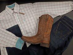 Wow! Attention cowboys, cette chemise et ces nouvelles bottes Ariat vous attendent en magasin. Westerns, Attention, Western Outfits, Cowboy Boots, Shoes, Fashion, Boots, Dress Shirt, Western Wear