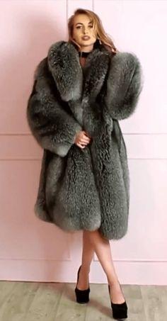 Fox Fur Coat, Fur Coats, Fur Coat Fashion, Fur Wrap, Vintage Fur, Girly Outfits, Fur Jacket, Models, Mantel