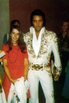 """Rare Photographs: A very """"Handsome"""" Elvis"""