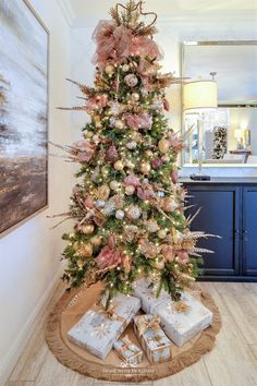 My favorite Christmas Trees of - Home with Holliday : My Christmast Home Tour - Mixed Metallic Christmas Tree - Home with Holliday Pink Christmas Tree Decorations, Metal Christmas Tree, Christmas Home, Christmas Tree Ornaments, Holiday Decor, Christmas Mantles, Dough Ornaments, Homemade Ornaments, Christmas Villages