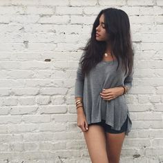 (Face claim: Madison beer) Hey I'm Logan. I'm 17 and single. I love makeup, fashion, and singing. Introduce?