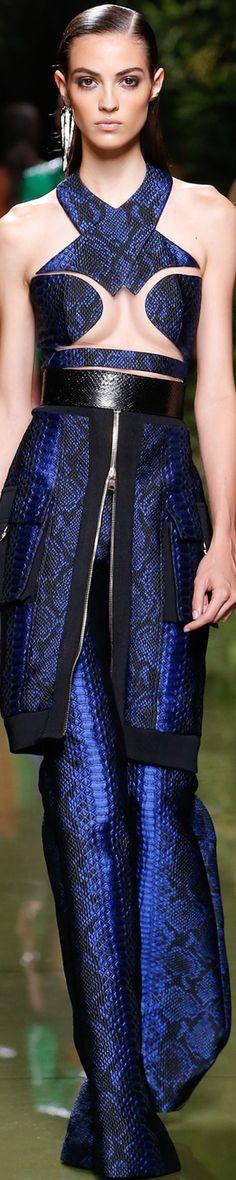 Balmain Spring 2017 Ready-to-Wear Collection ❤︎ Fashion Moda, Blue Fashion, French Fashion, Fashion 2017, Runway Fashion, High Fashion, Fashion Show, Womens Fashion, Fashion Design