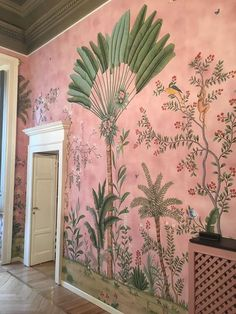 A bit of interior inspiration this morning with this stunning wall mural. Th colours are just lovely. Do let me know if you know the source… Hand Painted Wallpaper, Of Wallpaper, Pink And Green Wallpaper, De Gournay Wallpaper, Interior Wallpaper, Chinoiserie Wallpaper, Botanical Wallpaper, Chinoiserie Chic, Beautiful Wallpaper
