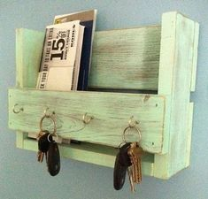 wood pallet rustic shelf