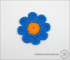 Hi everyone!   I hope you're having a great day! =)   In today's pattern, i'm going to teach you how to make a basic  Eight-Petal Flower ...