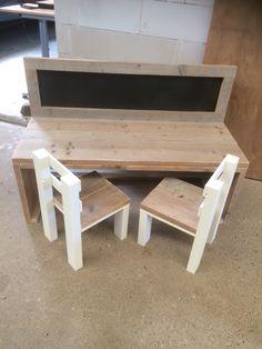 Speel/tekentafel met stoeltjes