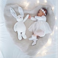 Beautiful photo, would be well suited for driving invitations or Thanksgiving … – baby baby – Newborn So Cute Baby, Baby Kind, My Baby Girl, Baby Girl Newborn, Cute Babies, Baby Baby, Cute Baby Pictures, Newborn Pictures, Newborn Pics