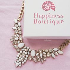 http://www.happinessboutique.com/en/necklaces/snow-white-statement-necklace-198 Snow White Statement Necklace #happinessbtq