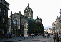 Edinburgh, Scotland - love this city with its old and new sections - just beautiful