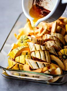 Take your roasted delicata squash to the next level with brown butter, crunchy pomegranate arils, toasted pistachios, and zippy pomegranate molasses. Gluten Free Thanksgiving, Vegetarian Thanksgiving, Toasted Pumpkin Seeds, Toasted Pecans, Pomegranate Benefits, Delicata Squash Recipe, Party Side Dishes, Bojon Gourmet, Vegetarian Side Dishes