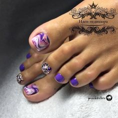 Purple Abstracted Nails With Rhinestones Your toe nail colors should always keep up with the season. There is no way we will allow you to stay behind and out of the trend! New Nail Colors, Toe Nail Color, Toe Nail Art, Nail Polish Colors, Pretty Toe Nails, Cute Toe Nails, Pretty Toes, Gel Toe Nails, Gel Toes