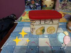 Minhas artes na reciclagem - A saga continua. Embalagem de café instantâneo que agora vai guardar meus saquinhos de chá. Ainda estou pensando se pinto ou não a tampa (rsrsrsrs)