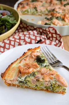 Slimming Eats Low Syn Salmon and Broccoli Quiche with Sweet Potato Crust - Slimming World and Weight Watchers friendly Salmon And Broccoli, Broccoli Quiche, Salmon Potato, Salmon Quiche, Sw Quiche, Cod Recipes, Broccoli Recipes, Salmon Recipes, Seafood Recipes