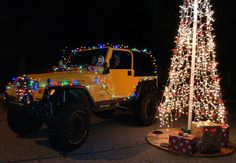 Jeep people like to do Jeep things.... like decorate their Jeeps. #Jeep #JeepWrangler #ChristmasLights #HolidayLights #BestJeeps #JeepWave #JeepPride #ItsaJeepThing #JeepGirl #Christmas #BlackFriday #JeepersCreepers #BestCars #PimpMyRide #DontHate #Awesome