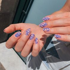 Do you want a cute manicure for spring but you have no idea what to do?Here is some inspo with trendy and cool nails for you. Minimalist Nails, Spring Nail Trends, Spring Nails, Summer Nails, Aycrlic Nails, Hair And Nails, Stiletto Nails, Matte Nails, Swag Nails