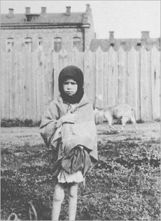 Starving child in Kharkov, Ukraine 1932 -- Holodomor Exhibit - Ukraine, Virtual Memory, Classroom Images, Joseph Stalin, Russian Revolution, Holocaust Survivors, Culture, Soviet Union, World History