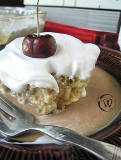 The Witchy Kitchen: Vegan Tres Leches - I loooove tres leches cake, but haven't had any in so long, this is perfect and I must try it soon!