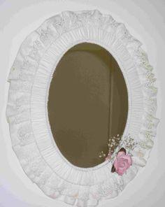 DIY – Easy Shabby Chic Fabric Mirror Makeover