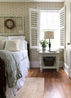 Bedroom with vintage touch take you in or Vintage decor can traditional and nostalgic. Here are Impressive Vintage Bedroom decor ideas, have a look and try in your home! Eclectic Home, Decor, Diy Room Decor, Bedroom Decor, Vintage Bedroom Decor, Home, Home Bedroom, Home Decor, Room