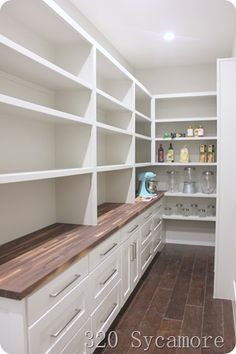 42 Creative And Inspiring Pantry Design Ideas - Pantry Room Kitchen Pantry Design, Kitchen Pantry Cabinets, Kitchen Ideas, Kitchen With Pantry, Kitchen Pantry Storage, Kitchen Counters, Wood Countertops, Cheap Kitchen, Kitchen Islands
