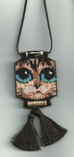 ...peyote beaded kitty cat necklace