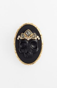 Obsessed with this new Alexis Bittar line: Skull cameo brooch. Yes.
