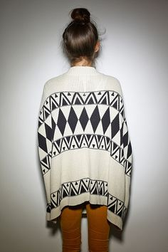 Vera cardigan, I wouldn't be upset if this cardi was apart of my life.