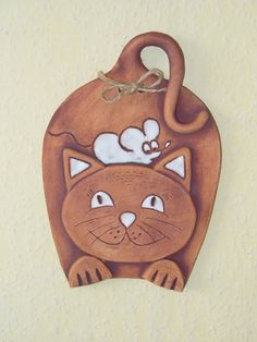 kočka a myš / Zboží prodejce menolly – Hobbies paining body for kids and adult Ceramic Clay, Ceramic Pottery, Pottery Art, Polymer Clay Cat, Polymer Clay Creations, Clay Art Projects, Ceramics Projects, Ceramic Animals, Clay Animals