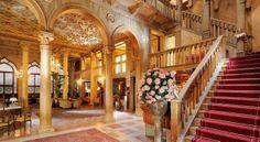 Отели и гостиницы Венеции: Отель Danieli 5* / Отель имеет богатую историю, что не редкость для венецианских отелей. Этот отель связывают с именем семьи Дандоло, очень знатной и почитаемой в Венеции. Говорят, что четыре члена этой семьи в[...]