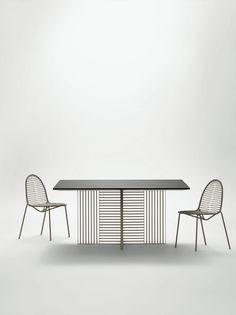 Daa Italia - Oh tavolo quadrato indoor struttura in metallo saldato a mano.