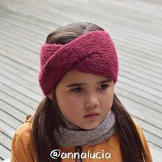 Ravelry: Knit Classic Twist headband pattern by Emma Du Knitted Hats Kids, Knitting For Kids, Easy Knitting, Knitting Hats, Knit Hats, Loom Knitting, Knit Slouchy Hat Pattern, Knitted Headband Free Pattern, Slouchy Beanie