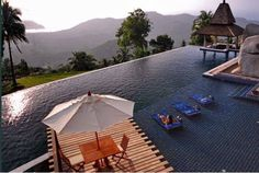 The perfect setting for a dip in the infinity pool.