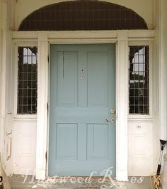 Farrow & Ball 'Oval Room Blue' color matched in Valspar Ultra Premium satin finish.good for the exterior doors? Exterior Door Colors, Front Door Paint Colors, Painted Front Doors, Room Paint Colors, Exterior Doors, Exterior Paint, Dix Blue, Oval Room Blue, Welcome Signs Front Door