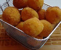 Bolitas de papas con baicon y queso
