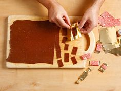 Karamell-Zuckerln Butcher Block Cutting Board, Tiramisu, Bernstein, Ethnic Recipes, Food, Tv, Caramel, Homemade, Bakken
