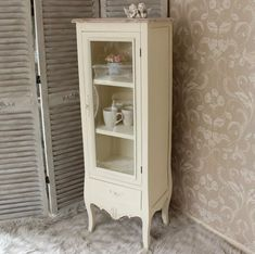 Impressive shabby chic decor, simply super scintillating cue to attempt, study this chic post ref 4680376758 immediately. Shabby Chic Cabinet, Shabby Chic Kitchen, Shabby Chic Homes, Shabby Chic Furniture, Shabby Chic Decor, New Furniture, Painted Furniture, Kitchen Design Open, Shabby Cottage