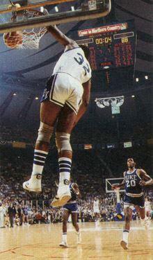 James Lee Kentucky Basketball, College Basketball, Basketball Court, University Of Kentucky, Kentucky Wildcats, James Lee, Beautiful Girl Body, Go Big Blue, Sports
