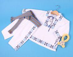 COSTUMAS Ukrainian embroidery Baby Frock Pattern, Frock Patterns, Bridal Dress Design, Folk Embroidery, Baby Costumes, Diy Clothes, Baby Dress, Bridal Dresses, Designer Dresses