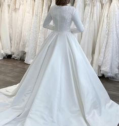 Looking a modest wedding dress ? This simple satin ball gown wedding dresses with long sleeves and appliques will be perfect for your wedding day !! Wedding Dresses Near Me, Affordable Wedding Dresses, Elegant Wedding Dress, Gown Wedding, Long Sleeve Evening Dresses, Dress Long, Bridal Outfits, Bridal Dresses, Modest Homecoming Dresses
