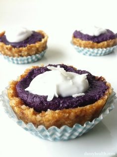 Raw Blueberry Pie (Single Serving & Whole) *This recipe is raw, no-bake, gluten free, vegan, grain free, clean, has great anti-oxidants and is full of nutrition! http://www.damyhealth.com/2012/04/raw-blueberry-pie-single-serving-whole/