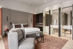 Hotel NH Grand Krasnapolsky 01
