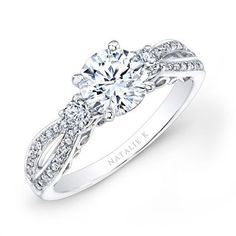Dear future fiancé and whoever may be assisting him in buying a ring, please take note ^.^