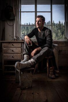 Henley Shirt schwarz - Lodenwalker #merinowool #style #sustainablefashion #loden #lodenwalker1434 Henley Shirts, Hipster, Socks, Fictional Characters, Style, Fashion, Fashion Styles, Black, Swag