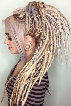 """lavenderlundi: """" foxmcloudiscool: """" lilicrevere: """" White people can't have dreads, and that's okay! So a lot of people tell me they want dreads because it's """"cool"""" or """"edgy"""" or it speaks to them or. Dreadlocks Girl, Blonde Dreads, Wool Dreads, Synthetic Dreadlocks, Locs, Dreadlock Hairstyles, Ponytail Hairstyles, Cool Hairstyles, Wedding Hairstyles"""