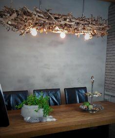 Sfeervolle takkenlamp gemaakt van behandeld perenhout. Houten lampen met sfeer! Webshop www.decoratietakken.nl voor meerdere houten takkenlampen Plants, Plant, Planets