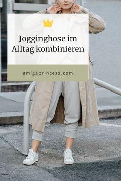 Modetrend 2020: Jogginghose im Alltag kombinieren + Styling-Tipps, Sweatpants komibinieren, Jogginghosen richtig stylen, Streetstyle mit Jogginghose, Sweatpants im Alltag tragen, Outfit mit Sweatpants, Jogginghosen sind einer der großen Modetrends im Frühling 2020, Alles Wissenswerte zum Modetrend 2020, Jogginghose richtig kombinieren: so gelingt ein alltagstaugliches Styling, Sweatpants im Alltag: meine liebsten Styling Möglichkeiten, www.amigaprincess.com Khaki Pants, Sweatpants, Blog, Life, Outfits, Fashion, Colored Blazer, High End Handbags, White Boots